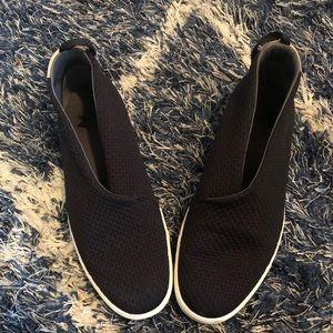 Under Armour slip on black sneakers 8.5